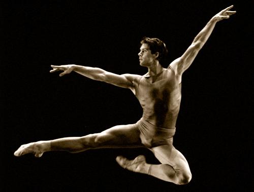 Male-ballet-dancing
